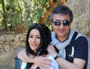 Ekland Hasa con la moglie, la soprano Nevila Matja.