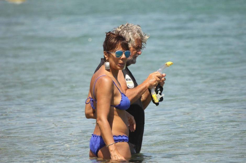Costa Smeralda, Beppe Grillo al mare con la famiglia