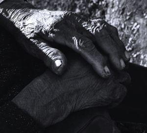 Mani di donna.