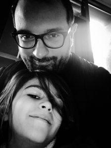 Michele Casadei Massari e la figlia Maitri di 8 anni.