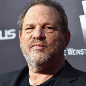 Harvey Weinstein accusato di molestie sessuali ai danni di alcune attrici di Hollywood, tra le quali Ashley Judd e Rose McGowan e altre.